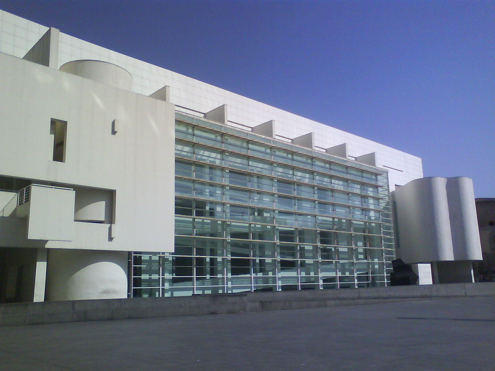 MACBA: Museu dArt Contemporani de Barcelona