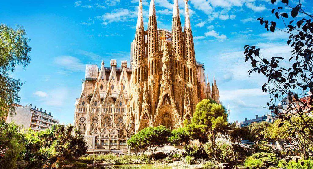 Sagrada Familia, mejores lugares para visitar Barcelona
