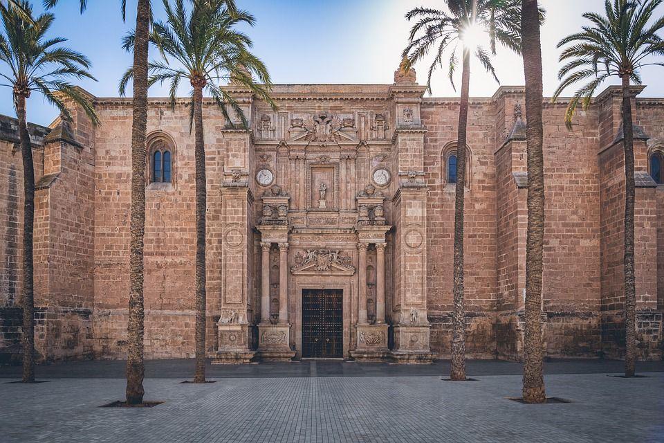 ¿Qué ver y hacer en Almería? ¡Lugares imprescindibles para visitar en 2019