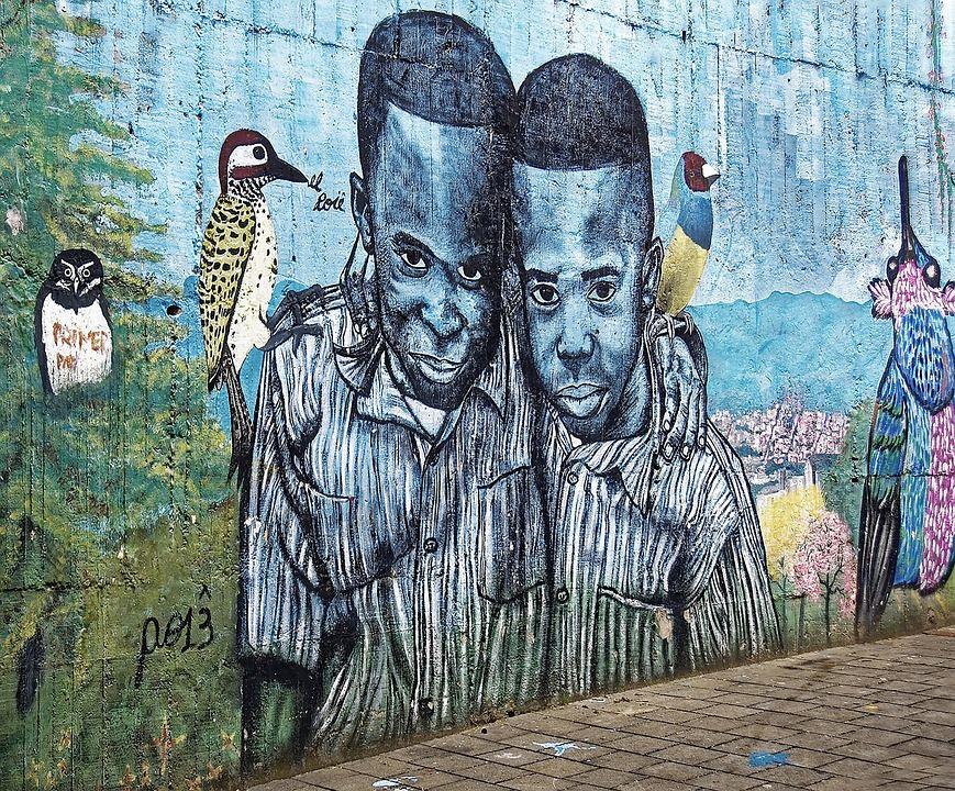 Graffitis en la Comuna 13, Medellín, Colombia