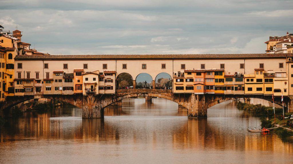 Ponte Vecchio, lugares imprescindibles de Florencia