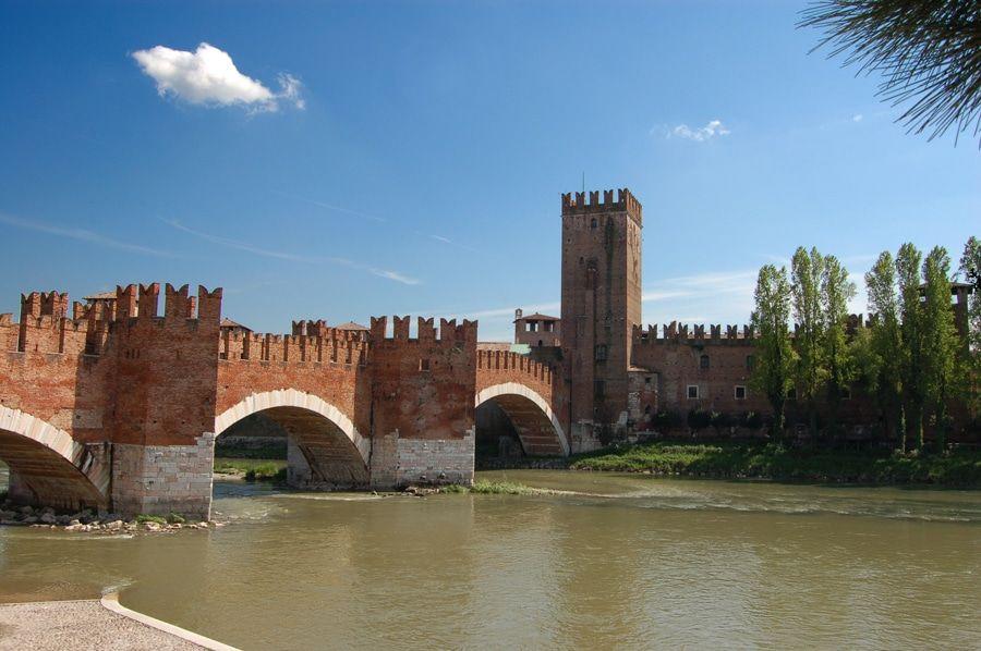 Puente del Castillo Vecchio