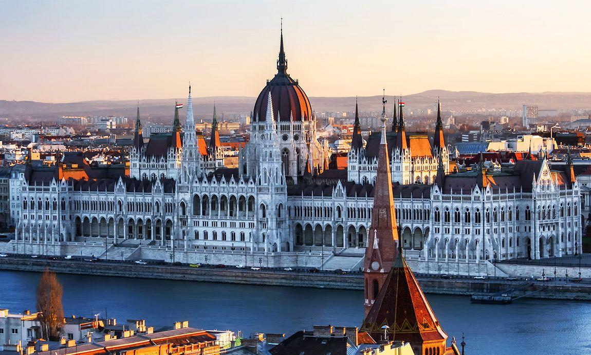¿Qué ver en Ámsterdam? ¡Lugares imprescindibles para visitar en Hungría