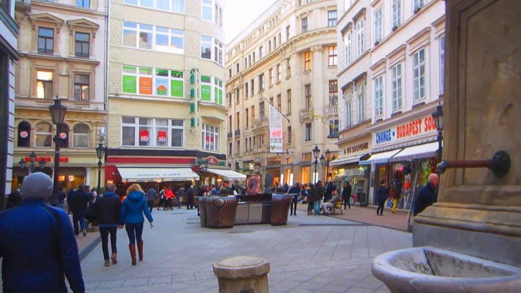Váci Utca, Budapest