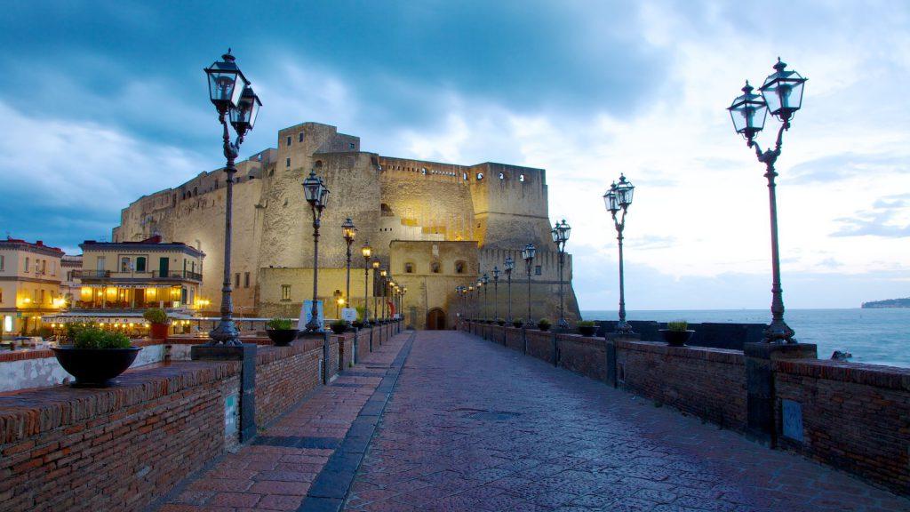 Castel dell'Ovo, Nápoles
