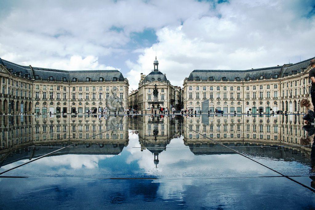 La Plaza de la Bolsa y el Espejo de Agua, Burdeos