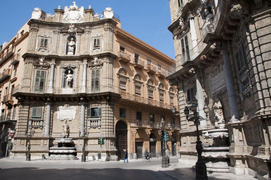 ¿Qué ver y hacer en Quattro Canti, Palermo?