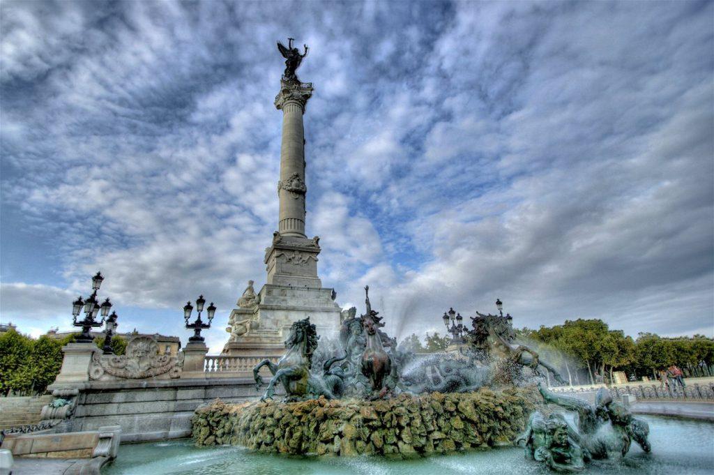 Plaza de Quinconces, Triángulo de Oro, Burdeos
