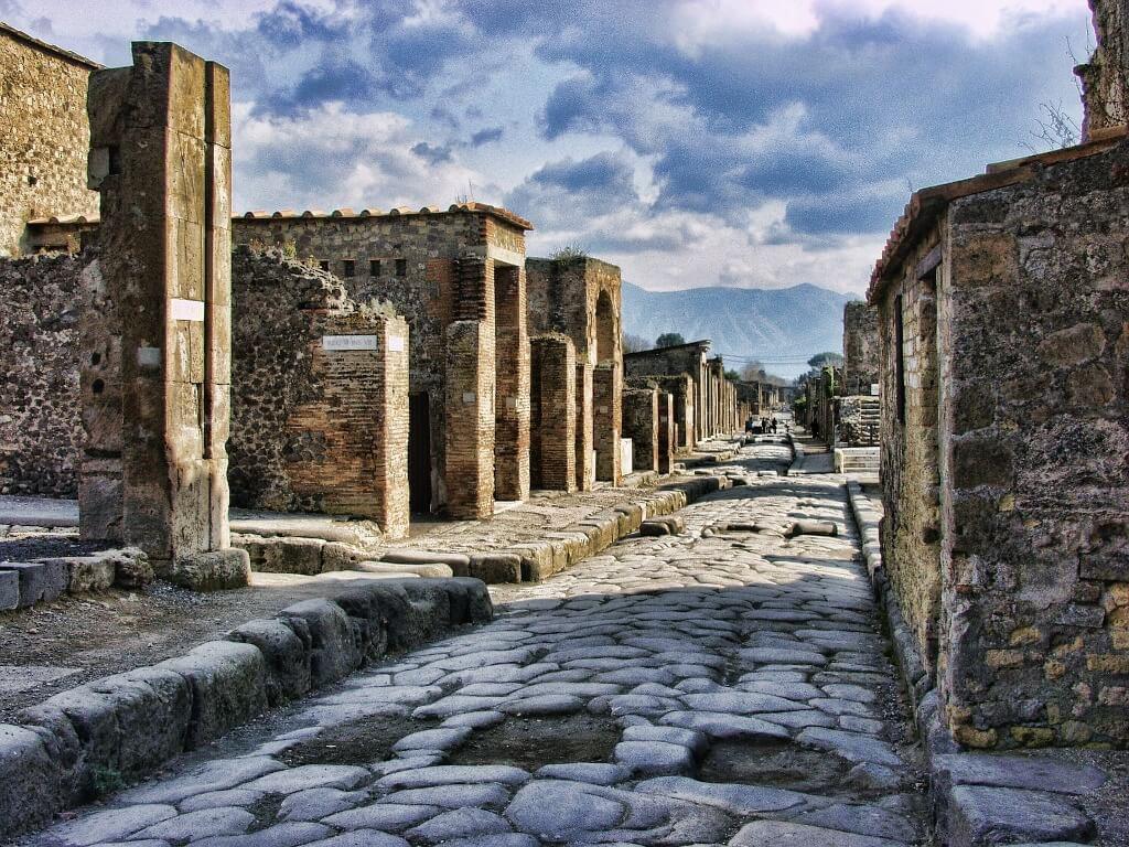 Pompeya, Nápoles