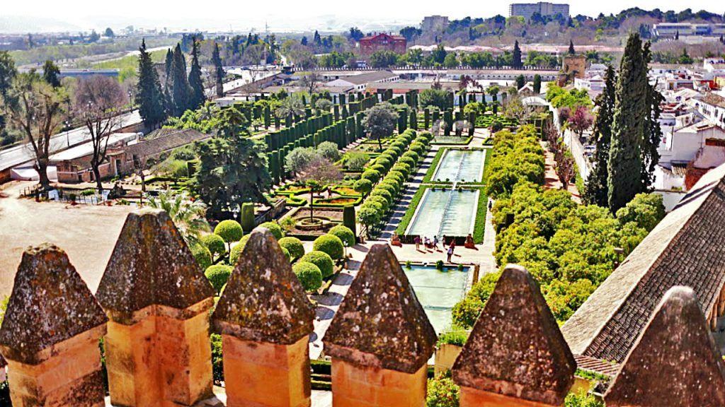 ¿Qué ver y visitar en el Alcázar de los Reyes Cristianos?