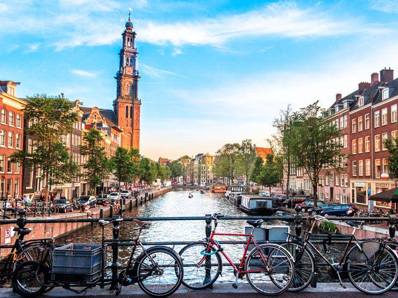 ¿Cómo llegar al centro de Ámsterdam desde el aeropuerto?