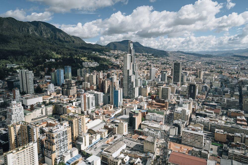 ¿Cómo llegar al centro de Bogotá desde el aeropuerto?