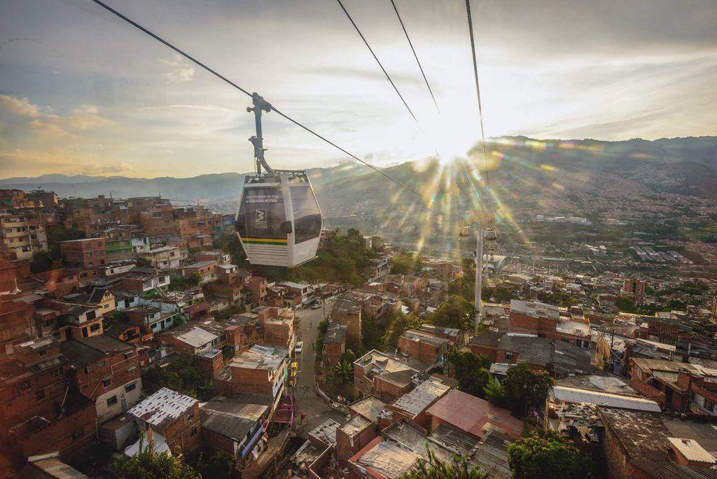 ¿Cómo llegar al centro de Medellín desde el aeropuerto?