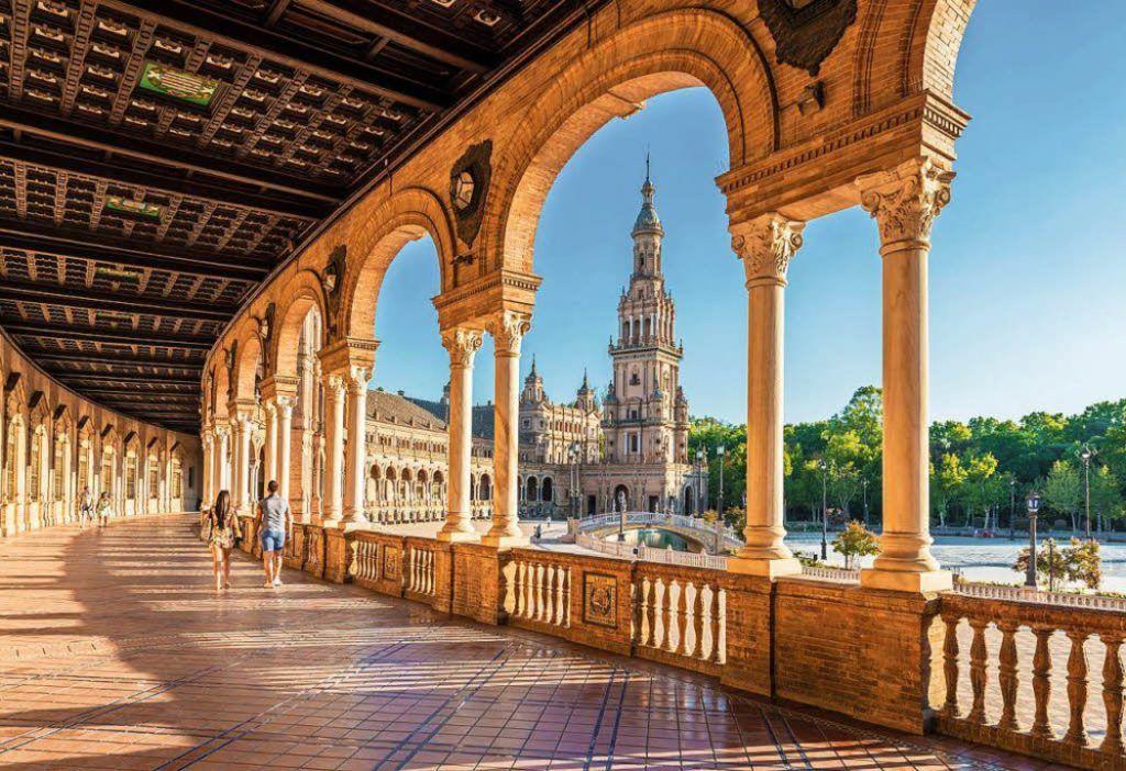 ¿Cómo llegar al centro de Sevilla desde el aeropuerto?