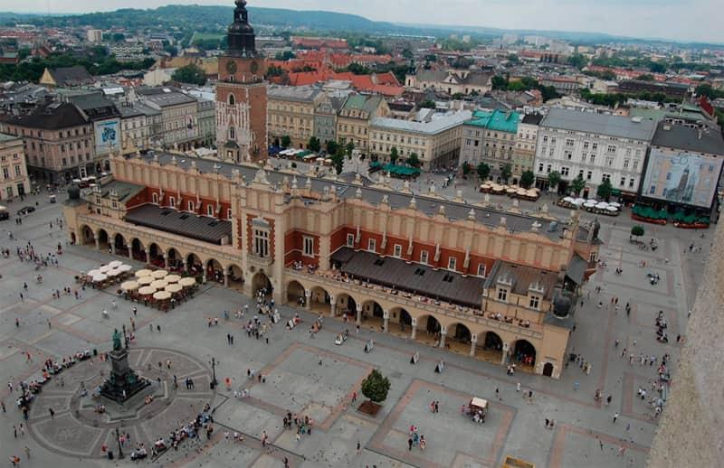 ¿Qué ver en la plaza del Mercado de Cracovia?